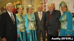 Мәсгуд Гаратуев татар оешмасы вәкилләре белән