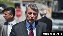 Ambasadori i Shteteve të Bashkuara në Kosovë, Philip Kosnett.