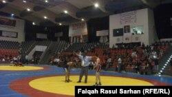 مشهد من مباريات بطولة غرب اسيا للمصارعة