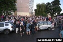 Падтрымаць азотаўцаў пад ізалятар 25 жніўня прыйшлі каля 500 чалавек