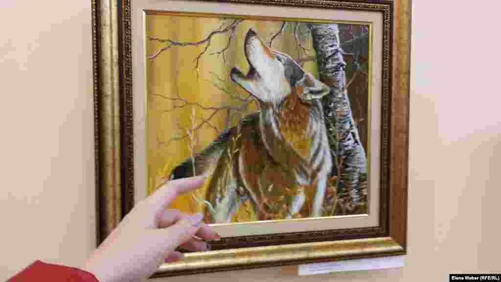 Как говорят в Карагандинском областном музее изобразительного искусства, люди часто задают вопросы о том, продаются ли выставленные на экспозицию работы художника. Работники музея просят уточнять это у самого Карипбека Куюкова, которого временно пока нет в городе. Как говорят в музее, часть средств художник всегда отдает на благотворительность.