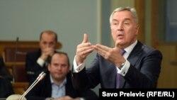 Opozicija pominjala cifru od 130.000 ljudi da bi ovih dana izašli sa podatkom da postoje ukupno 102 sporne situacije: Milo Đukanović