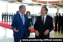 Uzbek President Shavkat Mirziyoev (right) and Kyrgyz President Almazbek Atambaev have managed to resolve the comparatively easy disputes along the unmarked Uzbek-Kyrgyz border. Five tricky ethnic exclaves remain.