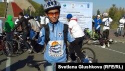 Баглан Игликов, участник велопробега. Астана, 30 сентября 2012 года.