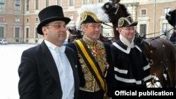 Դեսպան Արտակ Ապիտոնյանը իր հավատարմագրերն է հանձնում Շվեդիայի թագավոր Կառլ Գուստավ 16-րդին: Լուսանկարը՝ Հայաստանի ԱԳՆ-ի