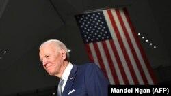 Fostul vicepreședinte al SUA, Joe Biden după un discurs ținut în Philadelphia, Pennsylvania. 10 martie 2020