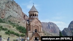 Armenia - Tourists at the 13-14th century Noravank monastery in Vayots Dzor province, August 20, 2016.