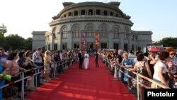 «Ոսկե Ծիրան» միջազգային 12-րդ կինոփառատոնի բացումը, Երևան, 12-ը հունիսի, 2015 թ․