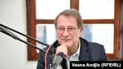 Zapad smatra da je situacija na Kosovu stabilnija: Boško Jakšić