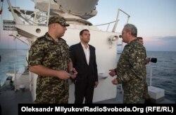 Представник військової прокуратури Південного регіону Едуард Плешко (праворуч)