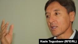 Болат Әбілев, оппозициялық саясаткер. Алматы, 5 қыркүйек 2012 жыл