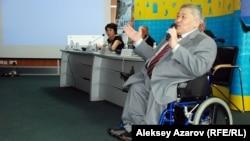 Алматы мүгедектер қоғамының төрағасы Әли Аманбаев. 5 мамыр 2014 жыл.