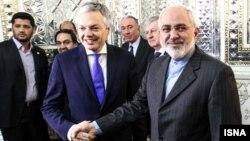 دیدیه رندر (راست) و محمدجواد ظریف- ۴ اسفندماه ۱۳۹۲
