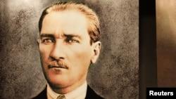 Мустафа Кемал Ататурк - таткото на модерна Турција