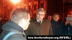 Ростислав Павленко вийшов до активістів