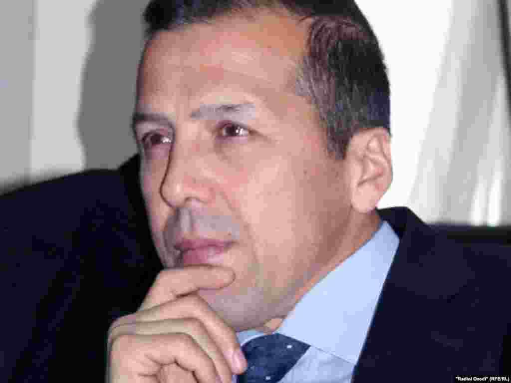 "Зафар Суфи, ""Озодагон"" - http://rus.ozodi.org/content/nansmit_journalist/24099339.html"
