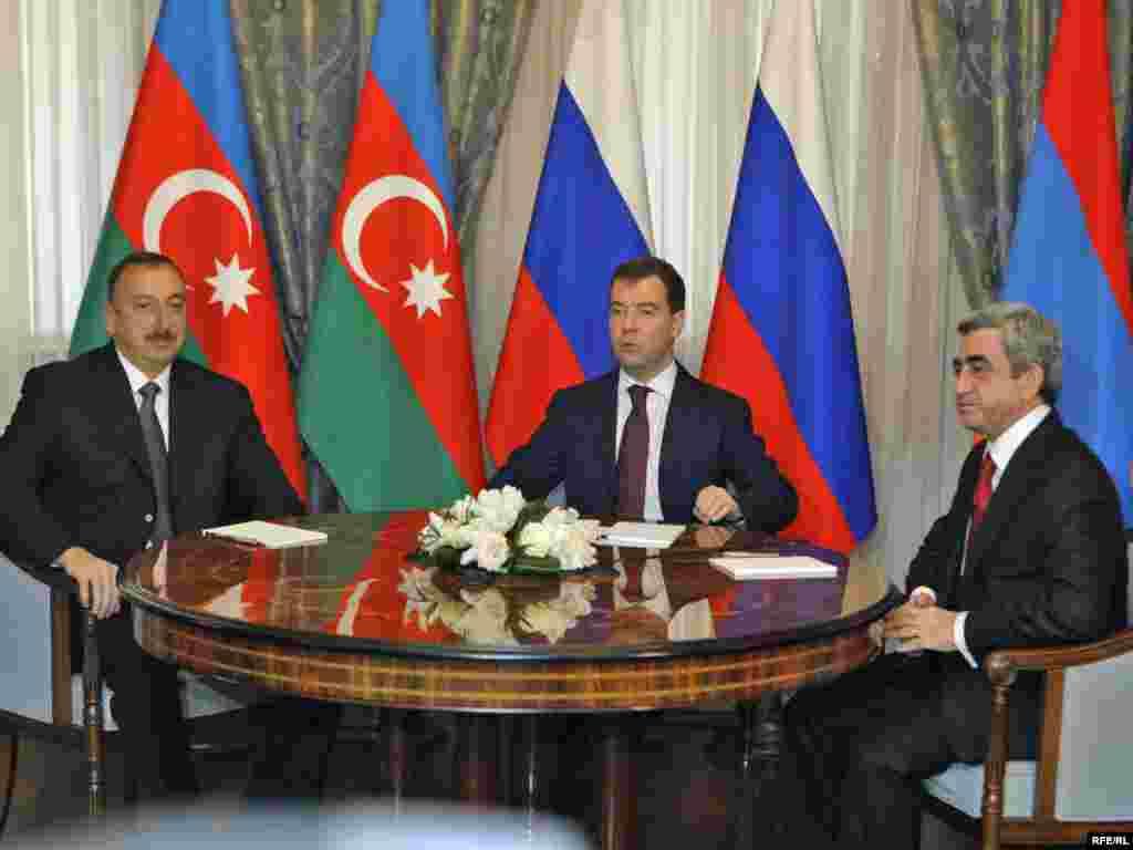 Rusiya prezidenti D.Medvedevin təşəbbüsü ilə Azərbaycan və Ermənistan prezidentlərinin üç görüşü oldu