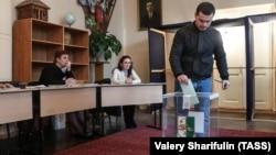 В 22 избирательных округах пройдет второй тур, повторное голосование состоится, по-видимому, через две недели