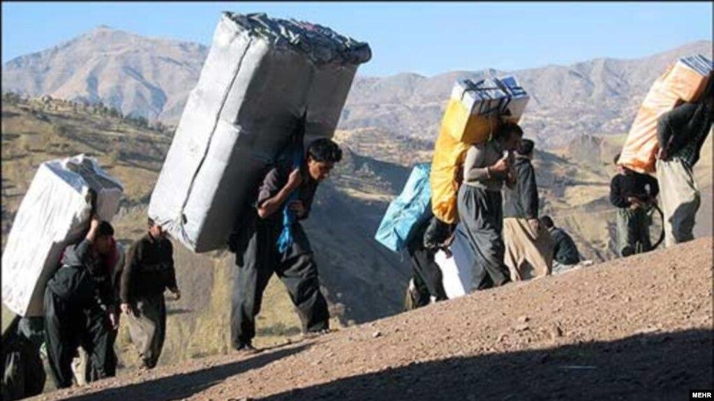 Risultati immagini per مرگ یک کولبر دیگر بر اثر تیراندازی ماموران در پیرانشهر