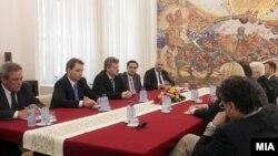 Претседателот Иванов на состанок со членовите на комисијата за 24 декември.