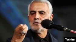 قاسم سلیمانی با دفاع از اعزام نیروهای ایرانی به سوریه برای نبرد با داعش، ادعا کرد که در سوریه و عراق «دیپلماسی» جواب نمیدهد.