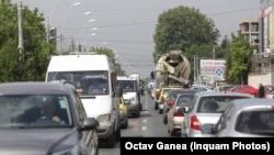 Vinieta Oxigen nu ține cont de mărimea motoarelor mașinilor și nici de proprietarii de mașini vechi care locuiesc în centrul Capitalei.