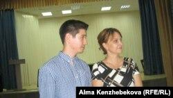 Представители антикоррупционной организации Transparency Kazakhstan Наталья Ковалева и Данияр Бексултан. Алматы, 17 августа, 2016 года.