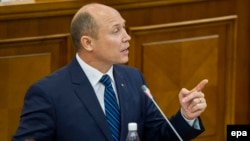 Прем'єр Молдови Валеріу Стрелець у парламенті, 29 жовтня 2015 року