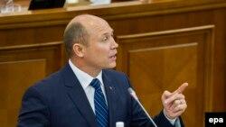 Valeriu Streleţ, prezentându-şi raportul de activitate în faţa deputaţilor