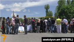 Armenia -- Residents of the village of Goght protest against a controversial irrigation project, 3Jun2016