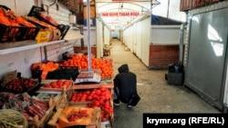 Рынок в Симферополе, 30 марта 2020 года