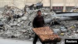 Пригород Алеппо, Сирия, 10 февраля 2016 года.