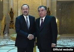 Президент Э.Рахмон өзбек өкмөт башчысы А.Ариповду кабыл алды. Дүйшөмбү ш. 10.1.2018.