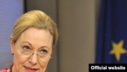 ევროკავშირის საგარეო ურთიერთობების კომისარი ბენიტა ფერერო-ვალდნერი ბრიუსელში გამართულ პრესკონფერენციაზე