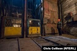 Клеть для спуска шахтеров в забой. Селидово, 29 июня 2016 года