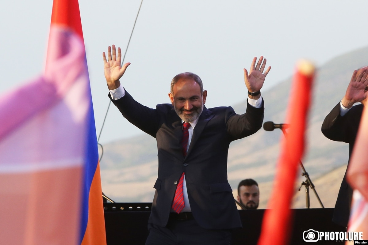 Baku, Yerevan Trade Accusations After Pashinian Visits Nagorno-Karabakh