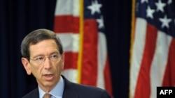 رابرت آینهون مشاور ارشد ایالات متحده در کنترل تسلیحات کشتار جمعی