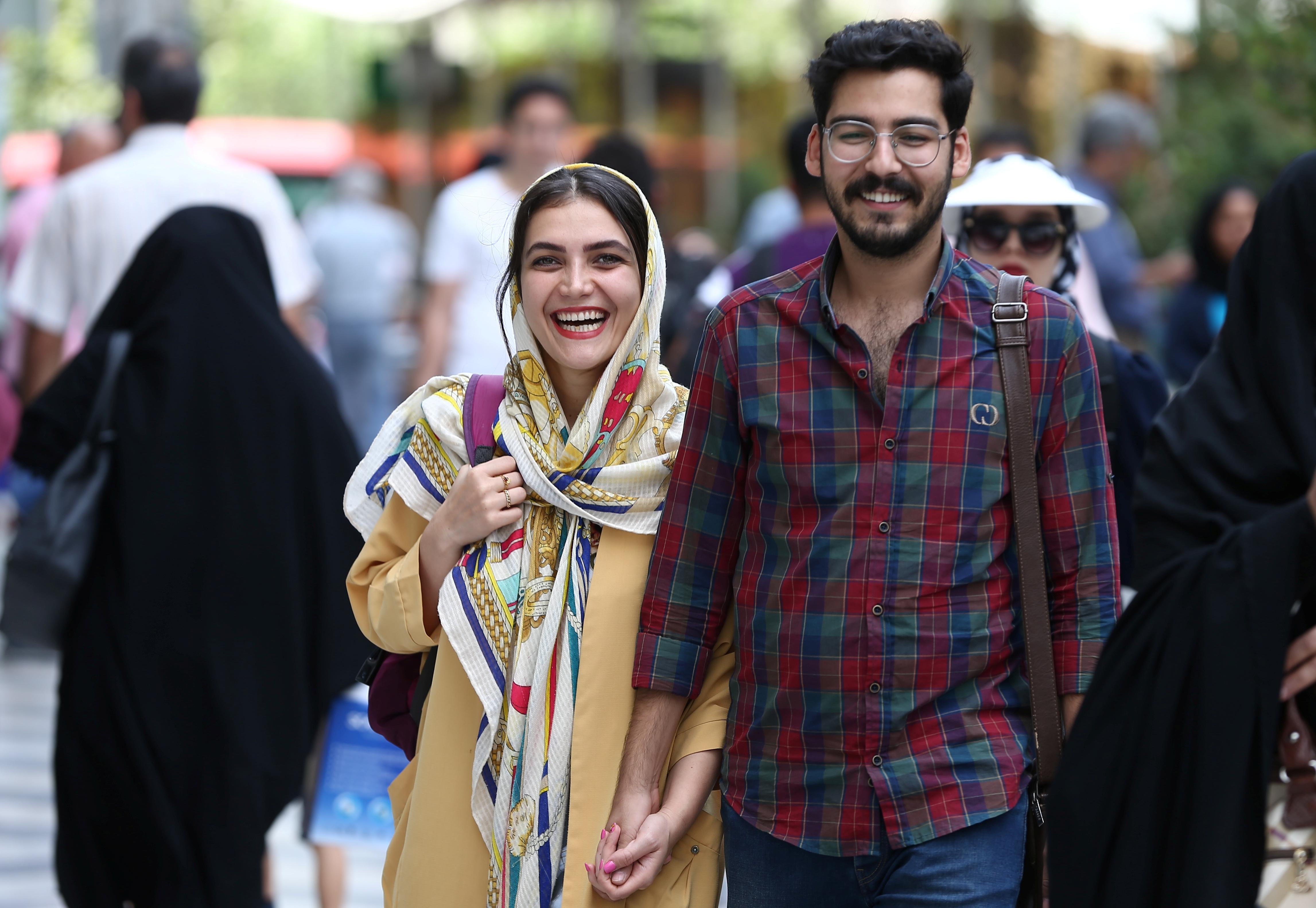 Якая частка іранцаў маладзейшая за 25 гадоў?