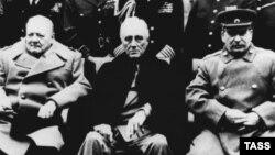 """""""Большая тройка"""" – Черчилль, Рузвельт, Сталин – на Ялтинской конференции"""