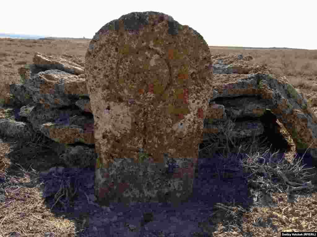 Сарматское захоронение на бывшем берегу, плато Усть-Юрт.