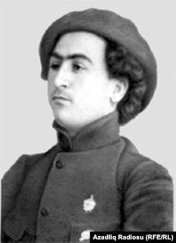 Azərbaycan rəssamı Bəhruz Kəngərli.