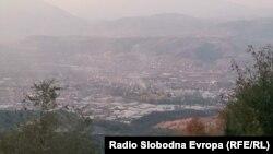 Поглед на западниот дел на градот Скопје од планината Водно. 04.11.2017