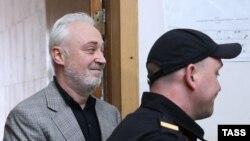 Леонид Меламед в суде после задержания, 3 июля 2015 года