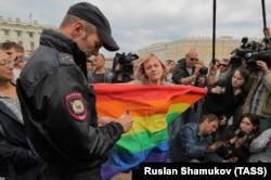 Пикет ЛГБТ-активистов против ненависти и нетерпимости, Санкт-Петербург, 2 августа 2015 года