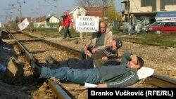 """Politiku """"jeftine radne snage"""" prerasle su i zemlje koje su na tome profitirale (jedan od mnogobrjnih protesta i štrajkova radnika u Srbiji)"""