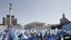 Обстановка в Киеве за минувшие сутки была спокойной - дело ограничивается митингами в поддержку противоборствующих сторон