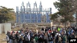 Тепачки меѓу Македонци и Албанци за црквата на скопското Кале на 13 февруари 2011 година.
