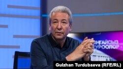 «Бүтүн Кыргызстан» партиясынын лидери Адахан Мадумаров.