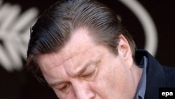 Андрей Плахов: «Романтическая грусть и тоска по какой-то ушедшей эпохе, которая уже не вернется, и в то же время умение быть современным, сопричастным этой эпохе — отличает Аки Каурисмяки как художника»