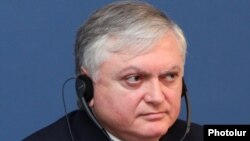 Armenia - Foreign Minister Edward Nalbandian at a news conference, 8Nov2011.